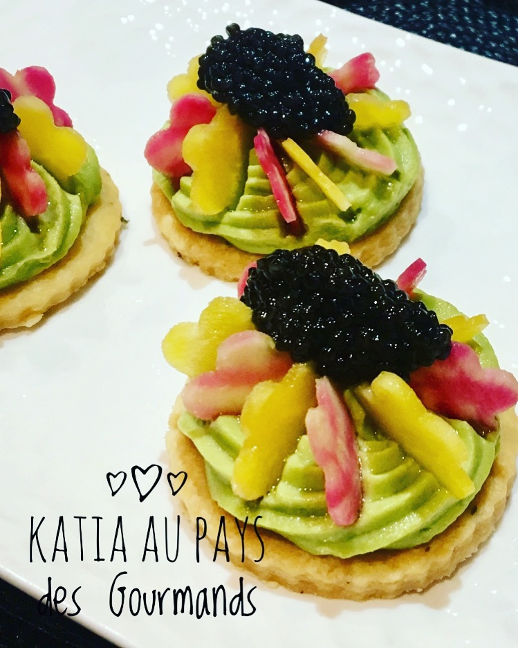 Tartelettes avocat/ betteraves au caviar