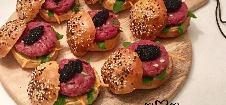 Mini Burgers de tartare de bœuf et caviar